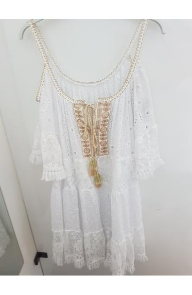 Čipkované trendy šaty