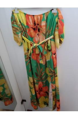 Kvietkované dlhe dámske šaty.