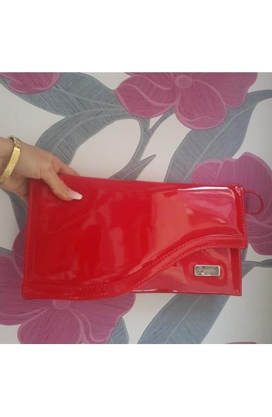 Listová lakovaná kabelka