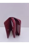 Lakovaná malá kožená peňaženka