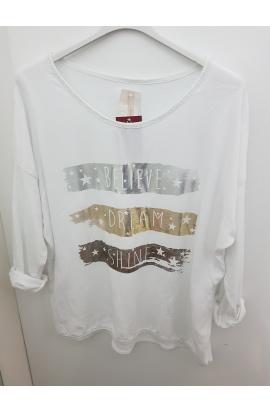 Letné tričká a topy: vieme, čo sa práve nosí